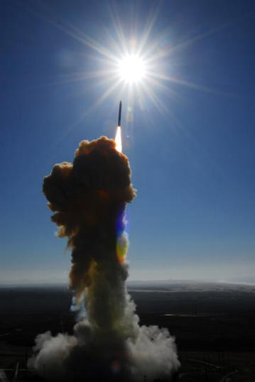 A ground-based interceptor lifts off from Vandenberg Air Force Base, Calif., Dec. 5, 2008. (DoD photo by Joe Davila, U.S. Air Force/Released)