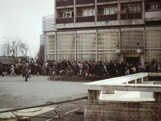Coadă la ulei, Bucur Obor, 1984-1986
