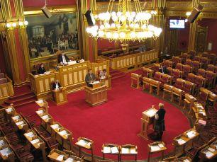 640px-Spørretimen_i_Stortinget_22._november_2007